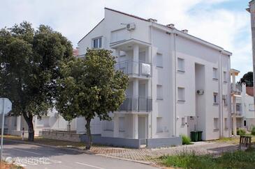 Petrčane, Zadar, Объект 3280 - Апартаменты вблизи моря с галечным пляжем.