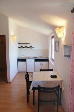 Biograd na Moru, Kitchen in the studio-apartment, dopusteni kucni ljubimci i WIFI.