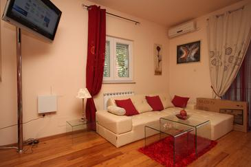 Srima - Vodice, Pokój dzienny w zakwaterowaniu typu apartment, dostupna klima i WIFI.