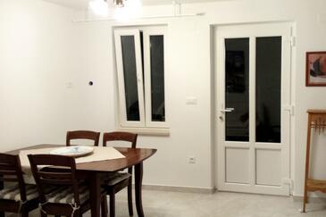 Nerezine, Jídelna v ubytování typu apartment, s klimatizací a WiFi.