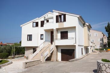 Novalja, Pag, Объект 3307 - Апартаменты вблизи моря.