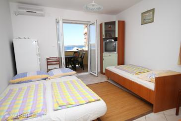 Povljana, Pokój dzienny w zakwaterowaniu typu apartment, Dostępna klimatyzacja, zwierzęta domowe są dozwolone i WiFi.