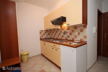 Povljana, Kitchen in the apartment, dostupna klima, dopusteni kucni ljubimci i WIFI.
