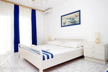 Pag, Bedroom in the room, dostupna klima, dopusteni kucni ljubimci i WIFI.
