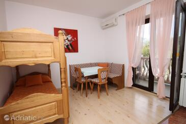 Seline, Dining room in the apartment, dostupna klima, dopusteni kucni ljubimci i WIFI.
