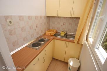 Starigrad, Kitchen in the studio-apartment, dopusteni kucni ljubimci i WIFI.
