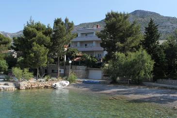 Starigrad, Paklenica, Property 3333 - Rooms near sea with pebble beach.