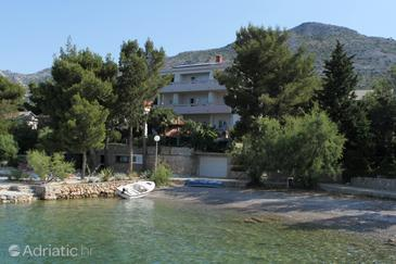 Starigrad, Paklenica, Property 3333 - Rooms near sea with pebble beach.