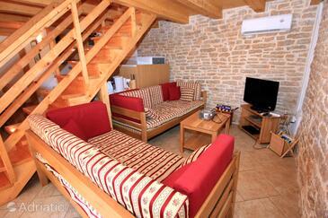 Orihi, Гостиная 1 в размещении типа house, dostupna klima, dopusteni kucni ljubimci i WIFI.