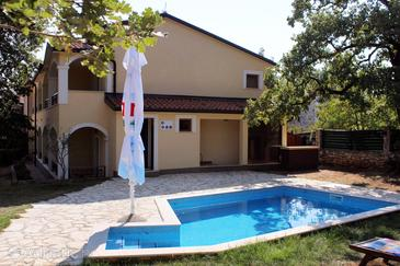 Kršin, Novigrad, Property 3338 - Rooms with pebble beach.