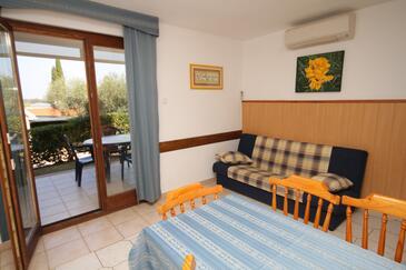 Dajla, Obývací pokoj v ubytování typu apartment, dostupna klima, dopusteni kucni ljubimci i WIFI.