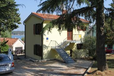 Dajla, Novigrad, Property 3339 - Apartments near sea with pebble beach.