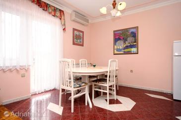 Dining room    - A-334-d