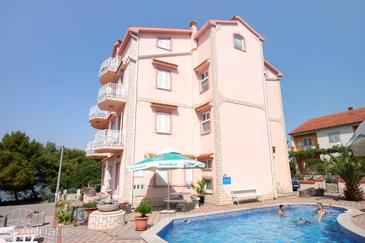 Kraj, Pašman, Property 334 - Apartments near sea with sandy beach.