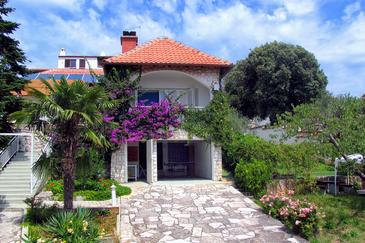 Pješčana Uvala, Pula, Property 3340 - Vacation Rentals with pebble beach.