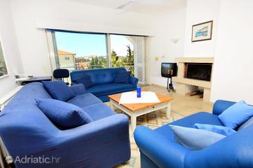 Pješčana Uvala, Living room in the house, dopusteni kucni ljubimci i WIFI.