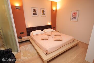 Livade, Bedroom in the room, dostupna klima i WIFI.
