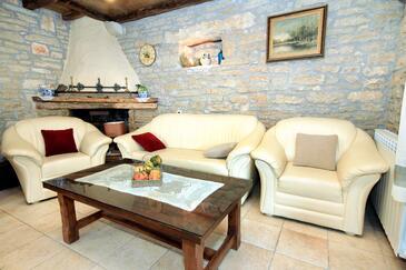 Zgrabljići, Living room in the house, dopusteni kucni ljubimci.
