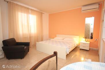 Umag, Obývací pokoj v ubytování typu apartment, klimatizácia k dispozícii a WiFi.