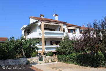 Umag, Umag, Property 3366 - Apartments with sandy beach.
