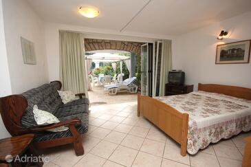 Rovinj, Living room in the apartment, dostupna klima, dopusteni kucni ljubimci i WIFI.