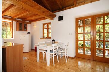 Grebišće, Jídelna v ubytování typu house, domácí mazlíčci povoleni.
