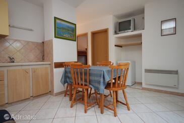 Dajla, Jídelna v ubytování typu apartment, dostupna klima, dopusteni kucni ljubimci i WIFI.