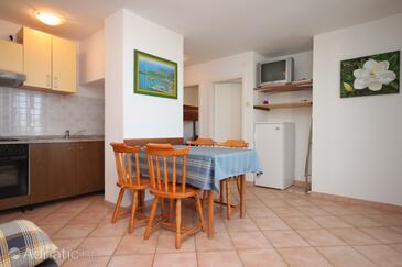 Dajla, Dining room in the apartment, dostupna klima, dopusteni kucni ljubimci i WIFI.