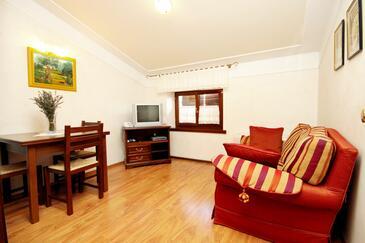 Pilkovići, Pokój dzienny w zakwaterowaniu typu apartment, dostupna klima, dopusteni kucni ljubimci i WIFI.