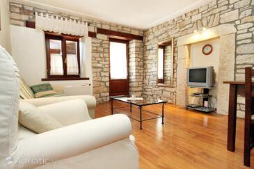 Pilkovići, Living room in the apartment, dostupna klima, dopusteni kucni ljubimci i WIFI.