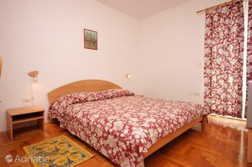Fažana, Bedroom 1 in the room.