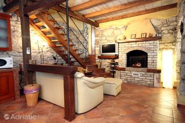 Kožljak, Obývací pokoj v ubytování typu house, domácí mazlíčci povoleni a WiFi.