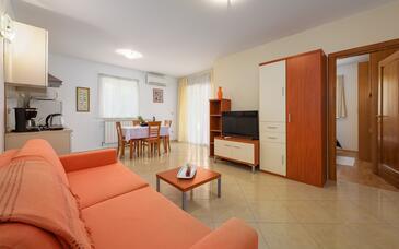 Bašanija, Obývací pokoj v ubytování typu apartment, WiFi.