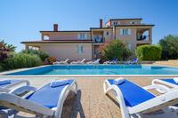 Family friendly apartments with a swimming pool Bašanija (Umag) - 3402