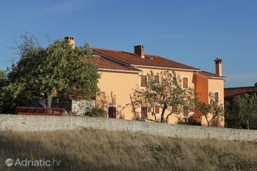 Šumber, Središnja Istra, Property 3405 - Apartments with pebble beach.