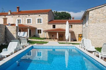 Orihi, Središnja Istra, Property 3415 - Vacation Rentals with pebble beach.
