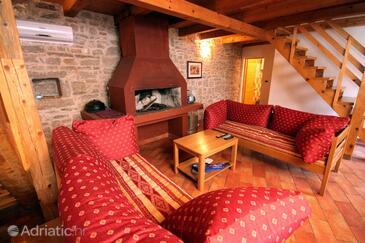 Orihi, Obývací pokoj 2 v ubytování typu house, dostupna klima, dopusteni kucni ljubimci i WIFI.