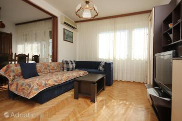 Split, Living room in the apartment, dostupna klima.