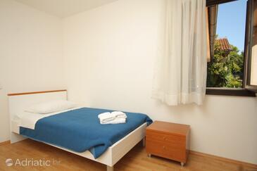 Ubli, Bedroom in the room, dostupna klima i dopusteni kucni ljubimci.