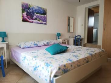 Brseč, Bedroom in the room, (pet friendly) and WiFi.