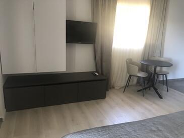 Mali Lošinj, Salle à manger dans l'hébergement en type studio-apartment, climatisation disponible et WiFi.