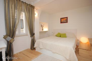 Cres, Bedroom in the room, dostupna klima.
