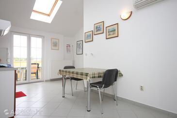 Nerezine, Столовая в размещении типа apartment, доступный кондиционер, Домашние животные допускаются и WiFi.