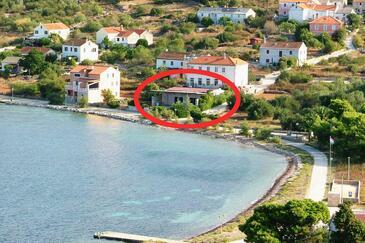 Soline, Dugi otok, Property 3452 - Apartments near sea with rocky beach.