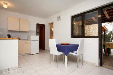 Jagodna, Dining room in the apartment, dostupna klima, dopusteni kucni ljubimci i WIFI.