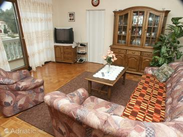 Kali, Living room in the apartment, dostupna klima i WIFI.
