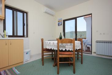 Mala Lamjana, Jedáleň v ubytovacej jednotke apartment, klimatizácia k dispozícii a WiFi.