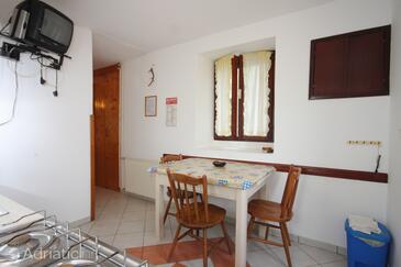Nerezine, Sala da pranzo nell'alloggi del tipo apartment, animali domestici ammessi e WiFi.