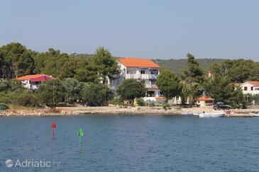 Verunić, Dugi otok, Property 3480 - Apartments by the sea.