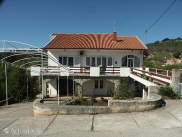 Mala Lamjana, Ugljan, Property 349 - Apartments with pebble beach.